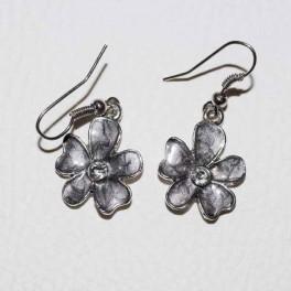 Boucle d'oreille fleur métal et strass