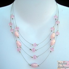 Collier fantaisie suspension rose