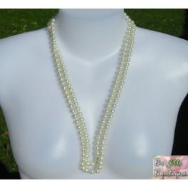 Collier perles de verre blanche